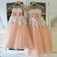 Vestido Daminha Prinzessin Blume Mädchen Kleider mit Sheer Ausschnitt Sash Bow Spitze Appliques Long Pageant Kleid Kinder Party Kleid