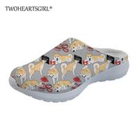 Linda Clásicas Zapatillas Zapatos de Casa Twoheartsgirl Mujeres Sandalias Planos de Hipster los Akita de Impresión daqz7Tn