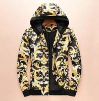 Chaquetas y sudaderas con capucha y sudaderas de deporte de moda para  hombres de diseñador 37fbbb6b5761