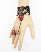 Hot Nieuwe Halloween Vintage Piraat Skull Wings Black Lace Dame Bracelet Band Ring Chic Classic Exquisite Elegance