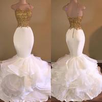 Sweep Zug Reißverschluss Rücken Rüschen Rock Perlen Spaghetti Riemen Spitze Appliqued Prom Kleid Gold und weiße Abendkleider Meerjungfrau