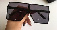 182 Sonnenbrille Mode Frauen Beliebte Full Frame UV-Schutzlaser Sommer Stil Großer quadratischer Metallrahmen Top Qualität frei Kommen Sie mit Fall