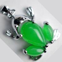 Vacker grön naturlig jade groda Tibet silver hänge halsband mode gåva