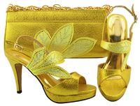 Bonita mirada de hojas de diseño Zapatos de vemón amarillos con bombas africanas de diamantes de imitación, juego de bolsos para vestir MM1068, talón 10.5 cm