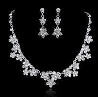 2021 الأزياء كريستال مجموعات مجوهرات الزفاف للنساء العرائس حزب حلي مجوهرات الفاخرة الهندي العرسان قلادة أقراط