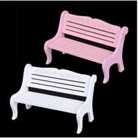 Hot Mini White Pink Bench Fairy Doll Chairs Terrarium Moss Decor Figurine da giardino Miniature Micro Landscape Accessori