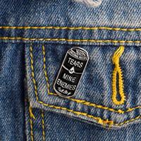 Miss Zoe lágrimas de las desgarras de los enemigos Negro latas de esmalte Icons Pines Botge Button Pin para la solapa Denim PU Jacket Punk Dark Broches Regalo