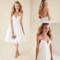 귀여운 짧은 비치 웨딩 드레스 V 목 스파게티 스트랩 무릎 길이 섹시한 등이없는 웨딩 드레스 흰색 레이스 신부 드레스 DH4149