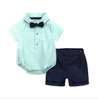 Летний детский набор мальчиков комплект одежды Детские комбинезоны джентльмен с коротким рукавом футболка + комбинезоны 2 шт. костюм одежда для новорожденных
