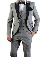 Popüler Tasarım Damat Smokin Bir Düğme Açık Gri Tepe Yaka Groomsmen İyi Adam Suit Düğün Erkek Takımları (Ceket + Pantolon + Yelek + Kravat) J519