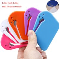 Plástico Mini Carta Cuchillo Carta Correo Abridor de sobres Papel de seguridad Cuchilla cortadora protegida Equipo de oficina Color aleatorio