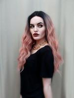 Lange lockige Lace Front Perücken rosa 2 t lose Welle synthetische Ombre Perücke für Frauen voller natürlicher Rauch rosa Haar mit dunklen Wurzeln
