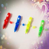 Yaratıcı Flaş Kalem Dekompresyon LED Işıklı Dekompresyon Renk Lamba Öğrenci Oyuncak Kırtasiye Toptan