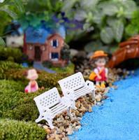 Nuovo 1PC Mini White Bench Fairy Doll Sedie Terrarium Moss Decor Figurine da giardino Miniature Micro Paesaggio Accessori