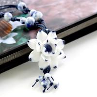 Exquis Jingdezhen main porcelaine bleue et blanche Amour Lotus personnalité de la mode Femme de style chinois Colliers en céramique