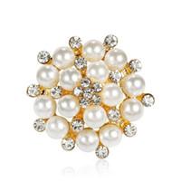 Gold Silver Faux Pearl Pin Pin Brooch Designer Spille Badge Badge Metal Smalto Pin Broche Donne Gioielli di lusso Xmas Forniture per feste