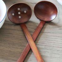 Envío rápido Nueva vajilla de madera Cuchara de sopa de tortuga Ramen japonés De madera Mango largo Colador Olla caliente cuchara práctica y duradera