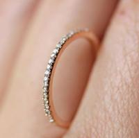 المجوهرات ارتفعت حلقات مستديرة للنساء الذهب الكريستال اللون وضع خاتم الزواج بسيطة حلقات الأزياء الساخن