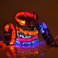 Camo Köpekler Aydınlık Floresan Yaka Pet Malzemeleri Naylon Köpek Yaka Gece Güvenlik LED Glow Köpek Koşum Kedi Yaka Karanlıkta Glow