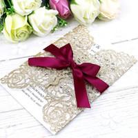 حار بيع الذهب بريق الليزر قطع بطاقات دعوة مع شرائط بورجوندي لزفاف زفاف دش الاشتباك تخرج عيد ميلاد
