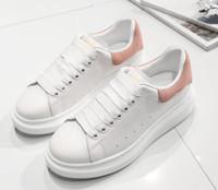 2018 New Mens Womens Fashion Luxury White Leather Sneakers traspiranti Flat Casual Shoes Lady Black Pink Gold Donna sneakers bianche 36-43