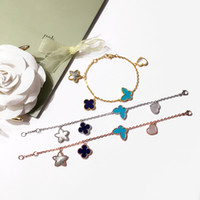 2018 Brand name Top brass bracelet with flower start and but...