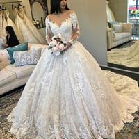 Robe de mariée de la dentelle saoudienne Robe de mariée Sheer Bateau-Col Dentelle Appliques à manches longues Robe de mariée à manches longues 2018 pas cher