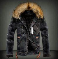 Giacca di jeans da uomo con collo in pelliccia Giacca di jeans in pile strappato retrò e cappotto per autunno inverno manica lunga calda per uomo di alta qualità
