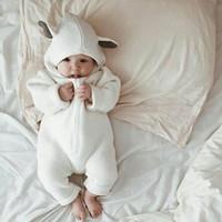 Nacidos de los bebés 2018 Primavera mamelucos otoño con capucha linda muchachas de los bebés del mameluco del bebé del mono para los niños Ropa para Niños