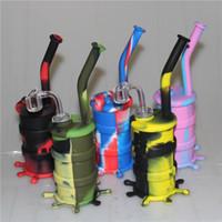 Bangs de silicone colorés de narguilés avec du verre descendant le tuyau de l'eau de silicone