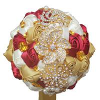 Luxry Artificial Bouquets de Casamento Handmade Fita Vermelha Marfim Rosas Flores De Cristal De Ouro de Noiva Bouquet De Casamento Da Dama De Honra Acessórios de Casamento