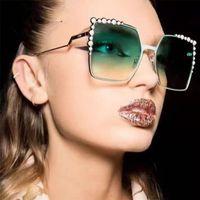 النظارات الشمسية الفاخرة مربع للنساء الماس مصمم أزياء العلامة التجارية الجديدة أسود أحمر الإناث الاتجاه نظارات الشمس آخر مجانا