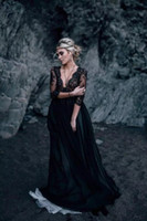 Black and White Lace abiti da sposa profondo scollo a V maniche Illusion Sheer gotico vittoriano vestito spiaggia Abiti da sposa A-Line Corte dei treni