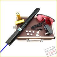 SDLasers B970-S Lampe de poche à faisceau laser visible avec pointeur laser bleu à haute puissance de focalisation réglable 450nm avec 2 * 26650 piles Li