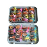 KKWEZVA 32 unids Boxed Fly Fishing Lure Set Artificial Bait Trout Mosca Fuerza de pesca Fuertes Hooks Tackle con Box Butterfly Insecto