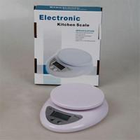 60 stks 5kg Home Huishoudelijke Draagbare LCD-scherm Elektronische Digitale Keuken Voedsel Dieet Postwichtschaalbalans 5000g x 1g B05 Gratis DHL FEDEX