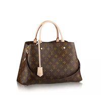 Men s Travel Bag Women Duffle Bag brand designer luggage handbags large  capacity sport bag Classic outsoor packs Black backpack 4ba7c14c210c2