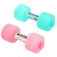Plastikbewässerungs-Dumbbell, der Yoga-Gewicht abnimmt, verlieren Sport-tragbare Dumbbells-Fitness-Ausrüstungen Wasser-Flasche, die mit Deckel 7 22jd Ww