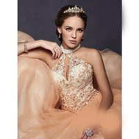 2018 Quinceanera Robes Robe De Bal Vestidos de quinceanera Longues Formelles Robes De Bal Robe De Bal Halter Perles Backless sweet 16 robes