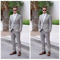 2021 Resmi Açık Gri Düğün Erkekler Slim Fit Damat Smokin Takım Elbise Erkekler Iki Parça Groomsmen Suit Ucuz Örgün İş Ceketler + Pantolon + Kravat