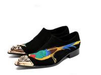 Männer Kleid Schuhe Genuine Nubukleder Stickerei Luxus Fashion Bräutigam Hochzeit Schuhe Männer Oxford Schuhe Metall Zehen Schuh