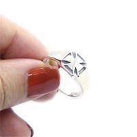 Tamaño de envío libre 6-10 señora Girls anillo de plata esterlina 925 joyería más nueva S925 motorista Anillo fresco Cruz polaco