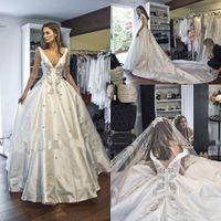 2018 Steven Khalil A Line Formal Vestidos de novia Bola Vestido en V Cuello Aplique Capilla Tren Tren Vestido nupcial Dubai Arabe