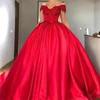 Robe de boules rouge modeste Robe d'épaule Quinceanera Robes Appliques Perles Satin Corset Lace up Robes de bal doux Seize Robes