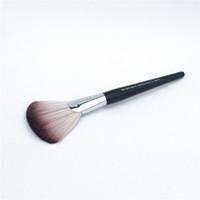 PRO Featherweight Fan Brush # 92 - Cabelo macio para pó ou Shimmer Finish - Beleza Makeup Brush Blender