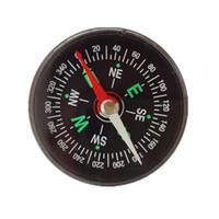 En gros mini poche boussole liquide outil de navigation de survie en plein air 45mm sans huile pointeur en plastique mini boussole en vrac