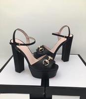 2018 года новой женских моды грубой сандалии пряжка с простыми открытым носком студенческих каблуками, высокими каблуками женщин