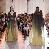 Elie Saab 2019 Ombre Chiffon Prom Klänningar med Cape Deep V Neck Formal Aftonklänningar Saudiarabiska A Line Pagant Party Dress