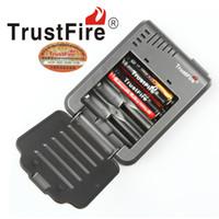 Original Trustfire TR003 4-Slot Carregador de Bateria para 18650 16450 14500 18350 Baterias Recarregáveis NO varejo 30 pçs / lote