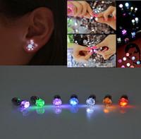 Mode LED Blinklicht Edelstahl Strass Ohrstecker Ohrringe Schmuck Rave Spielzeug Geschenk LED Ohrringe Weihnachtsfeier